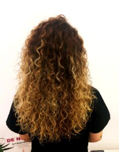 Melena tratada con el método curly